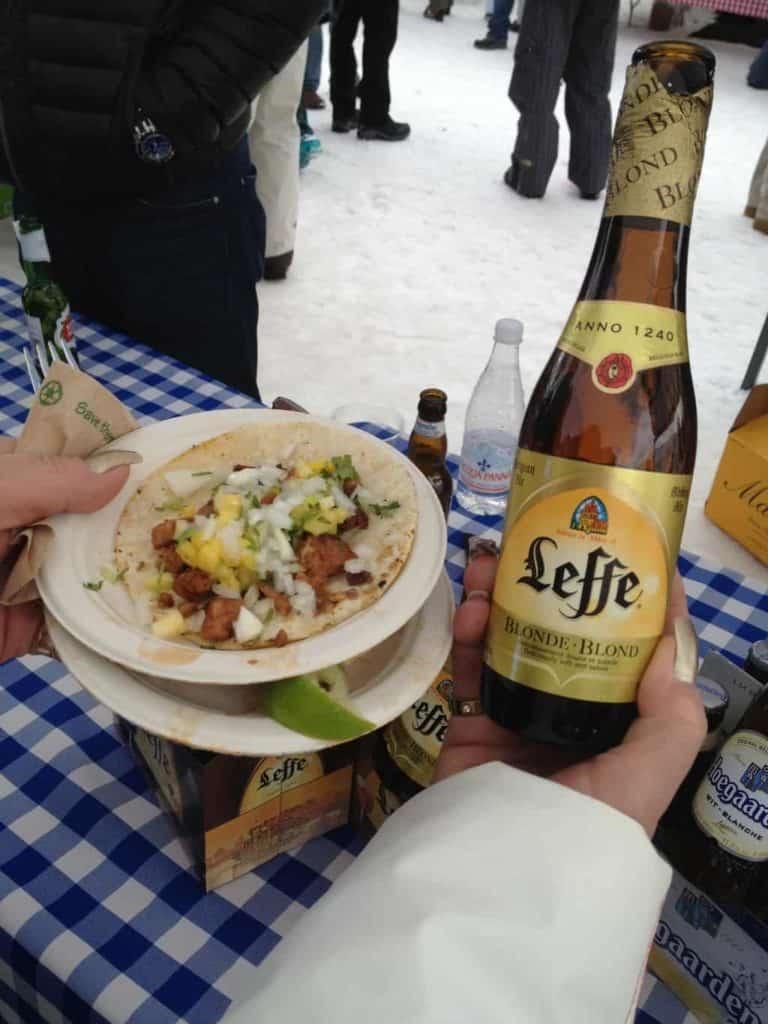 Tacos al pastor con cerveza artesanal de Chicago, Taste of Vail