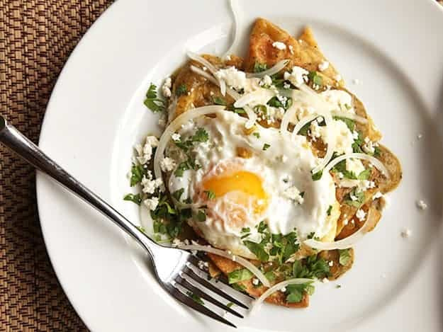 Chilaquiles-Verdes-with-Fried-Eggs.jpg
